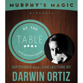 AT THE TABLE LECTURE ORTIZ LATAUSVIDEO - Korttitemput - 53879L - 1